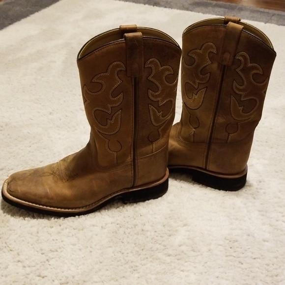822a73ea499 Boys camel colored cowboy boots